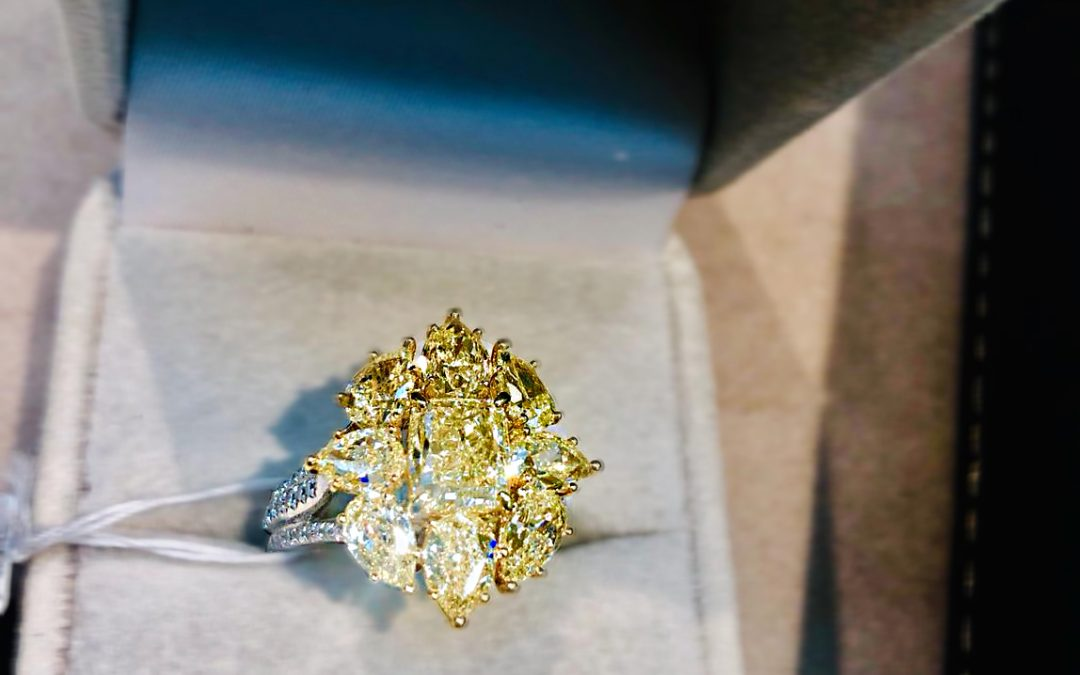 eClarity's Exclusive Collection – Fancy Yellow Diamond Ring