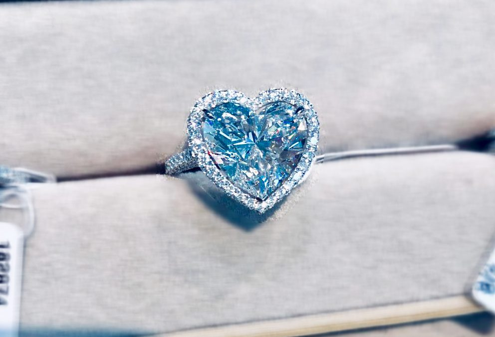 eClarity Exclusive Collection – Heart-shaped Diamond Ring
